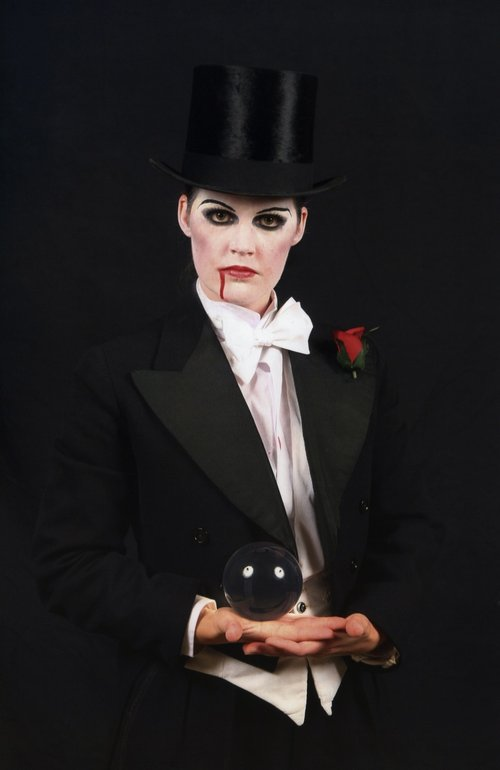 vampire crystal ball juggler